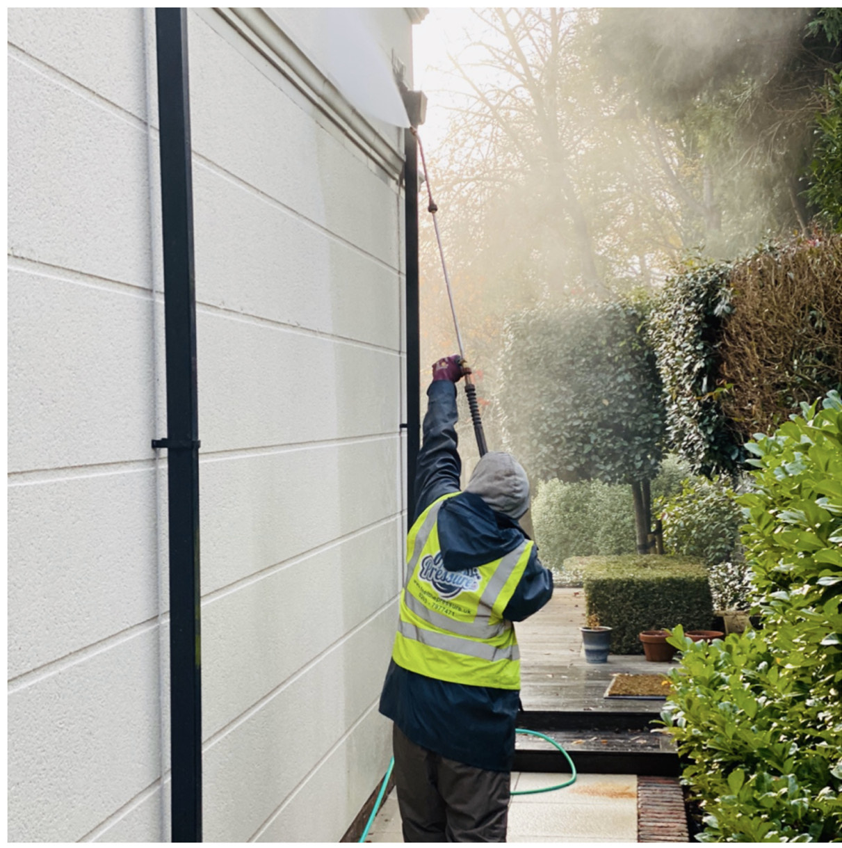 render cleaning and soft washing service